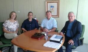 Visita Melilla julio16. Izda a dcha miembros de JD de FEAFES Melilla, Francisco Robles director territorial de INGESA en Melilla y presidente Confe