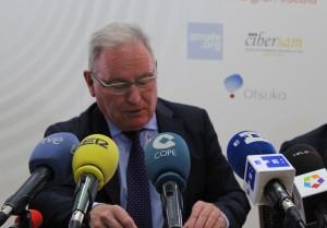 Nel González Zapico, presidente de SALUD MENTAL ESPAÑA, en una rueda de prensa