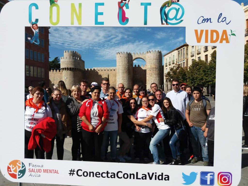 Abrazo multitudinario en Ávila