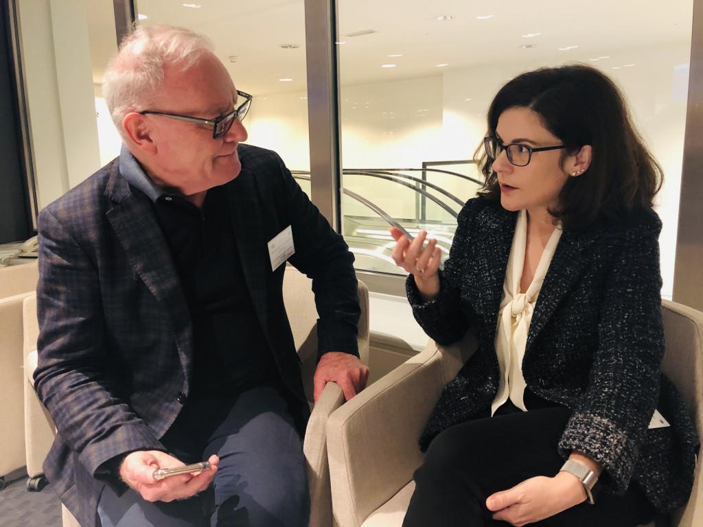 González Zapico (izda.) y Claudia Marinetti, durante su encuentro en Bruselas.