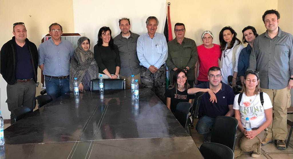 El grupo de participantes con responsables del Ministerio de Cooperación del Sahara