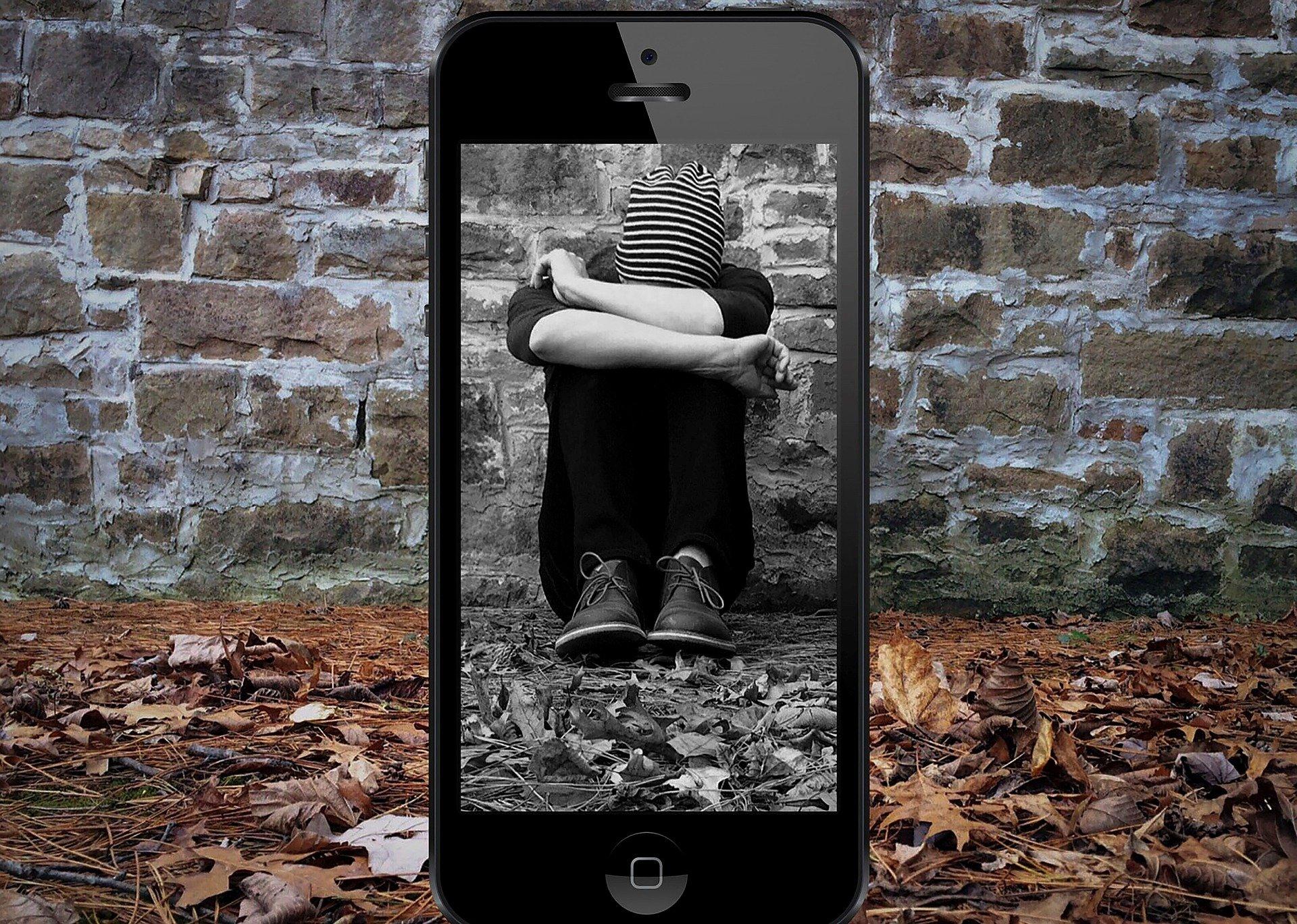 Durante la pandemia, las actitudes de acoso hacia las personas jóvenes se han mantenido en las redes sociales